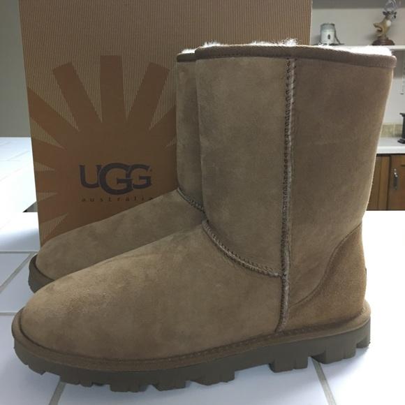 ugg essential short